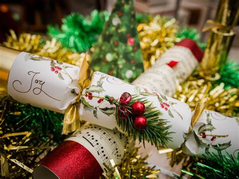 christmas crackers    independent