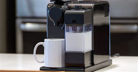 delonghi lattissima touch delonghi nespresso lattissima touch review digital trends