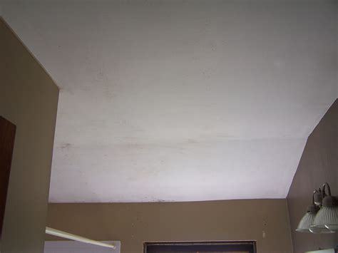 black mould on ceiling in bedroom mold on the ceiling of bedroom talkbacktorick