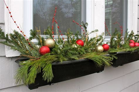 youtube how to decorate a christmas window box the 2 seasons the lifestyle