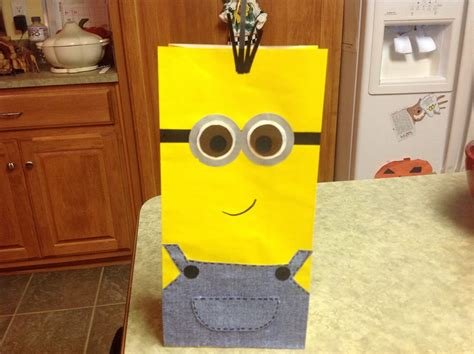 how to make minion favor bags despicable me minion treat bags tutorial rebecca autry