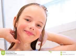 geile unter der dusche meisje in royalty vrije stock fotografie