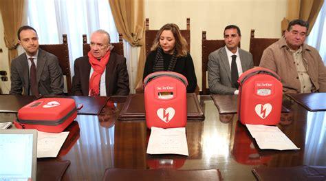 banca di credito cooperativo di castiglione messer raimondo e pianella pescara 3 defibrillatori donati al comune