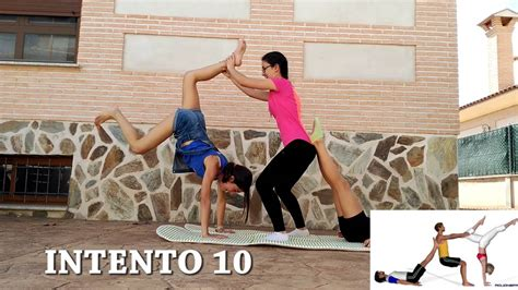 imagenes de yoga de tres personas intentando no rompernos la cabezaaaa youtube