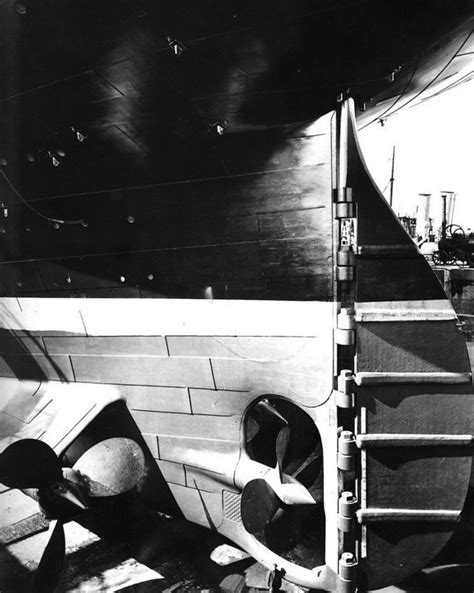 32 Remarkable Photos of the Titanic - Page 7 of 11
