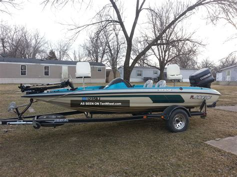 javelin bass boat 1988 javelin bass boat 120 compression garage kept