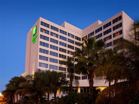 Inn Palm Airport Conf Ctr Hotel By Ihg