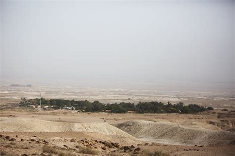 how big is the west bank israel expands settlements in occupied west bank seizes
