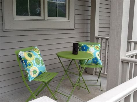 Front Porch Table And Chairs Green Table Chairs On Front Porch Home Sweet Home