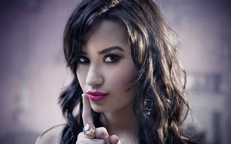demi lovato life biography bollywood actress hd wallpapers hollywood actress hd