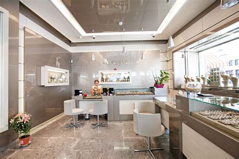 Shop Ceiling Design by 20 The Best Concept Of Jewellery Shop Design Trends Nytexas