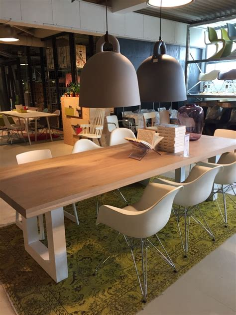 eettafel hout wit onderstel eettafel hout met wit houten onderstel moodbord living