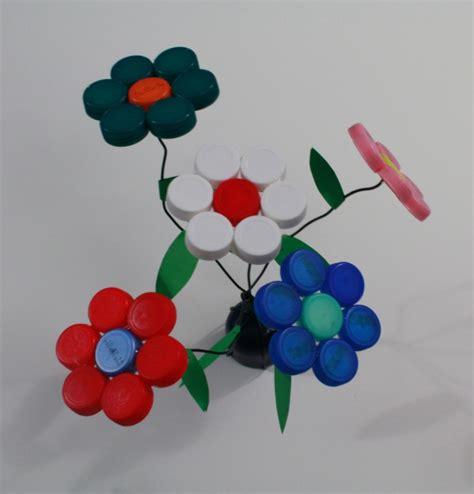 fiori con tappi di plastica riciclo fiori di tappi rossato