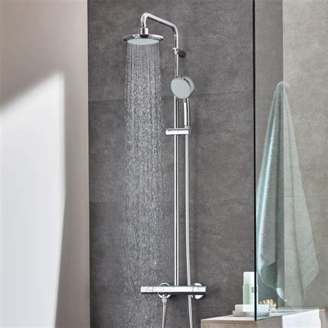 Grohe New Tempesta Cosmopolitan System 200 Shower System 26305000 grohe tempesta cosmopolitan 160 shower system uk bathrooms