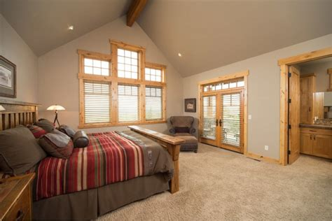 Decorating Ideas For Vaulted Ceiling Bedroom Western Interior Design Options For Adding Your Home