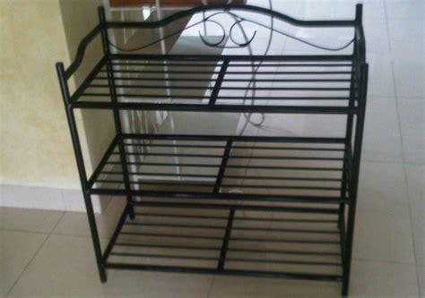 contoh rak sepatu besi minimalis furniture rumah