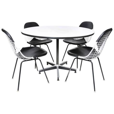 Eames Dining Table And Chairs Herman Miller Eames Dining Table And Four Chairs For Sale At 1stdibs