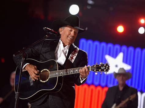 george strait george strait returns home for texas sized show nash
