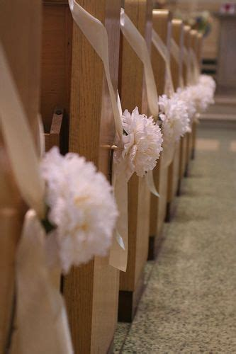 1000  images about Aisle & Pew Decor on Pinterest   Ribbon