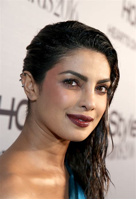Priyanka Chopra Hairstyles by Priyanka Chopra Side Sweep Priyanka Chopra Hair Looks