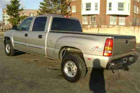 2003 gmc sierra 1500 specs pictures trims colors cars com sell used 2003 gmc sierra 1500hd sle crew cab 4x4 quadrasteer 6 0l v8 auto no reserve in revere