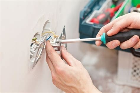 how electrical outlet wiring problems diagnosed and