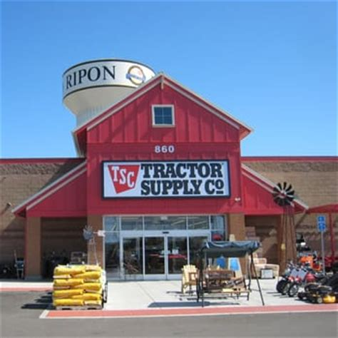 tractor supply shop tractor supply co 16 photos 10 reviews hardware