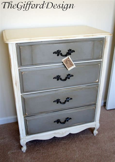 Gray And White Dresser by 25 Best Ideas About White Chalk Paint On