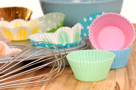 kitchen accessories cupcake design spring into cupcakes cute spring decorated cupcakes ganz