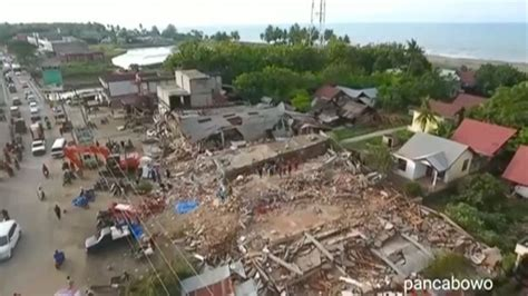 earthquake watch indonesia watch aerial footage shows earthquake devastation in
