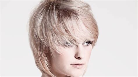 what is a rouded bob disconnected round layered bob beauty pinterest