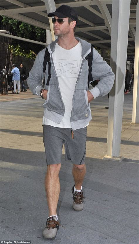 comfortable clothes to travel in 15 best summer travelling outfit ideas for men travel style