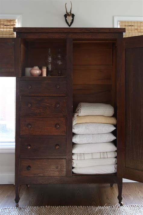 bathroom linen closet ideas best 25 small linen closets ideas on guest