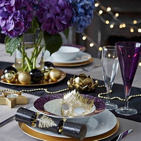Christmas table setting design ideas   Ideal Home