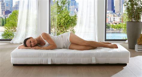schwitzen beim schlafen schwitzen beim schlafen was ist normal was hilft gegen