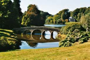 file stourhead garden jpg wikimedia commons