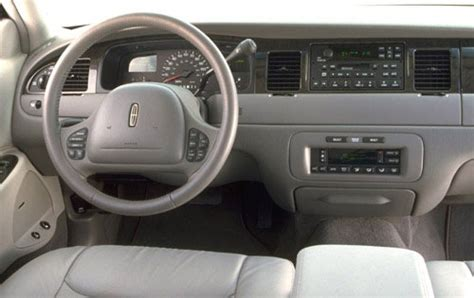 2000 lincoln town car pictures including interior and exterior images autobytel com 2000 lincoln town car engine specs view manufacturer details