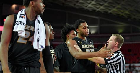 bench sports watch watch missouri and georgia hoops coaches get heated as
