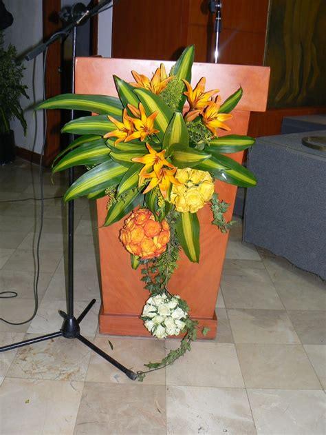 arreglo floral para podium arreglo para podium