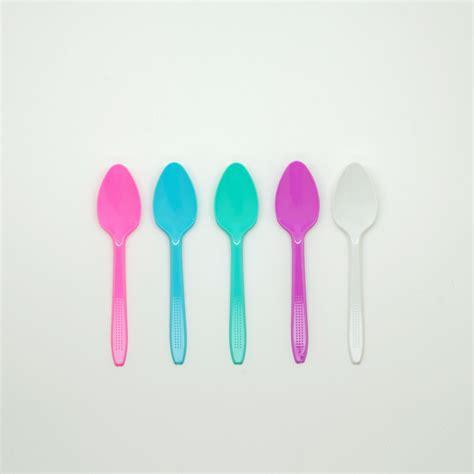 Pisau Makan Plastik Warna Merah Pisau Kue Warna Termurah jual sendok makan plastik harga murah distributor sendokplastik