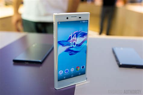 Sony Xperia X Compact update tracker (Update: Android Oreo ... Xperia U White Hands On