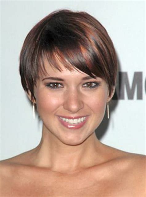 wedge cut for fine hair short wedge haircut pictures