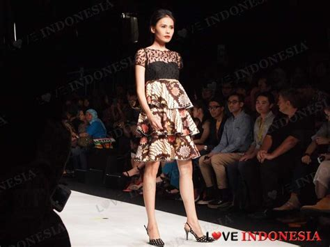 Set Batik Parang Kencana Dan Embos 274 best images about batik tenun etc on fashion weeks ikat print and kebaya