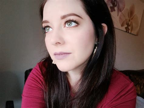 Maybelline Fit Me Dewy And Smooth maybelline fit me dewy and smooth product review hello betty