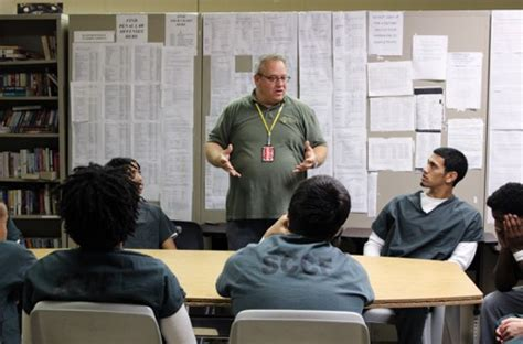 Detox Suffolk County Ny by Rikers Island Looks To Riverhead For Insights On
