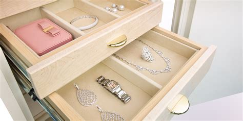 100 jewellery drawer with felt lined
