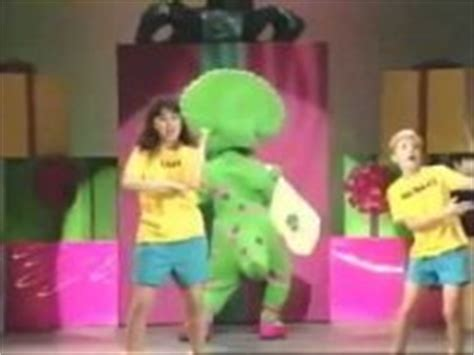 barney and the backyard gang barney in concert pin barney in concert youtube on pinterest