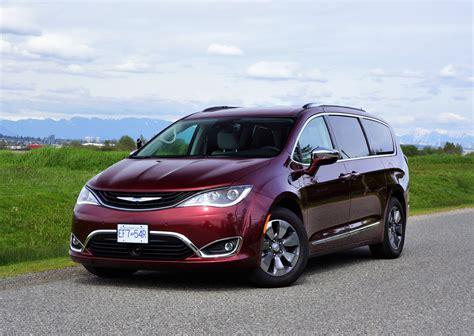 Chrysler Hybrids by 2017 Chrysler Pacifica Hybrid Platinum The Car Magazine