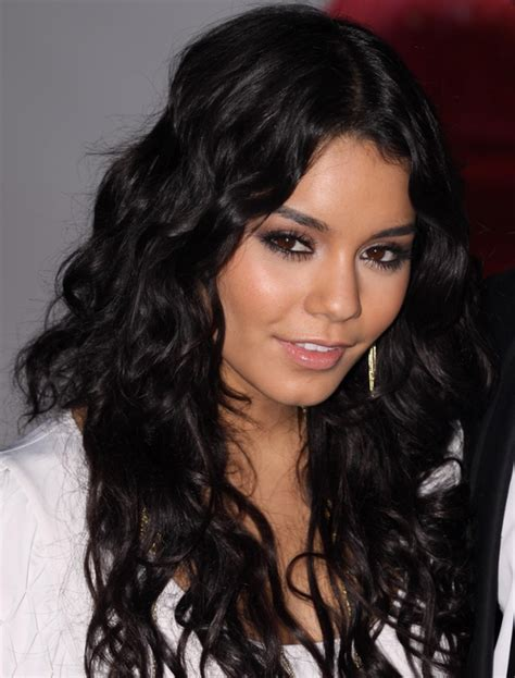 vanessa hudgens natural and unshaven pictures freaking image gallery shakira real hair