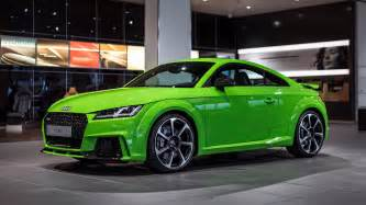2017 audi tt rs in lime green looks like a tiny car